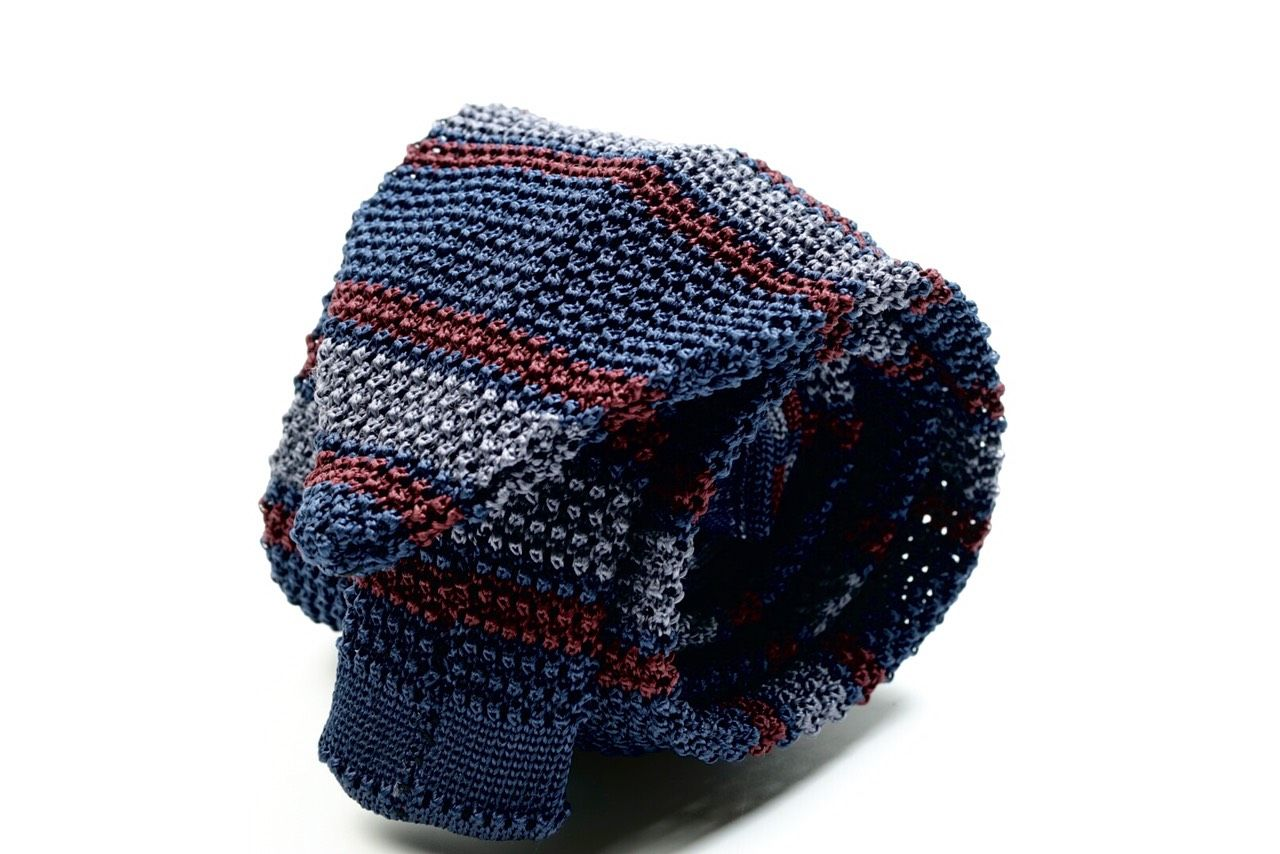 V Point Knitted Tie Col.1