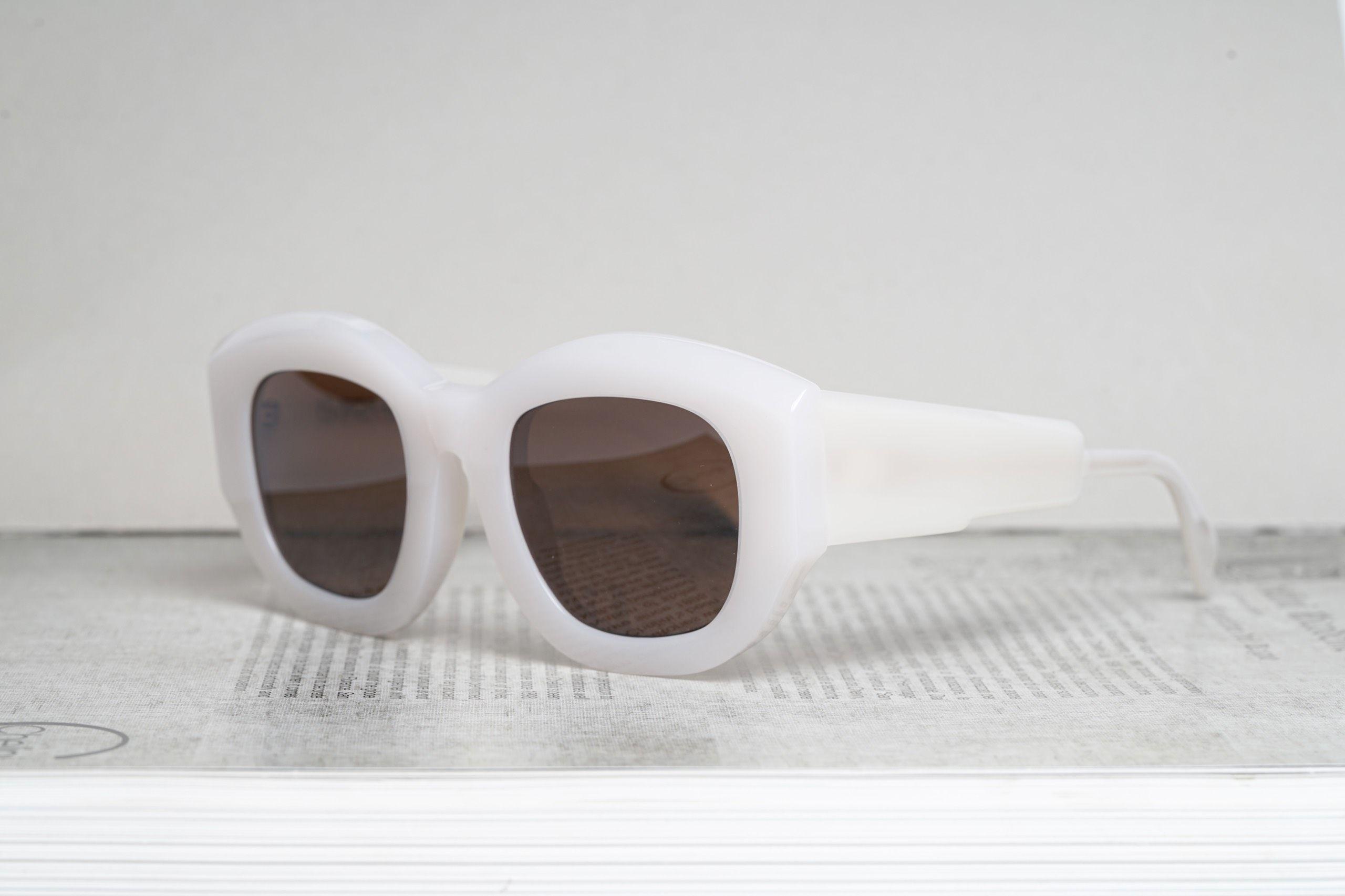 Mask B5 White
