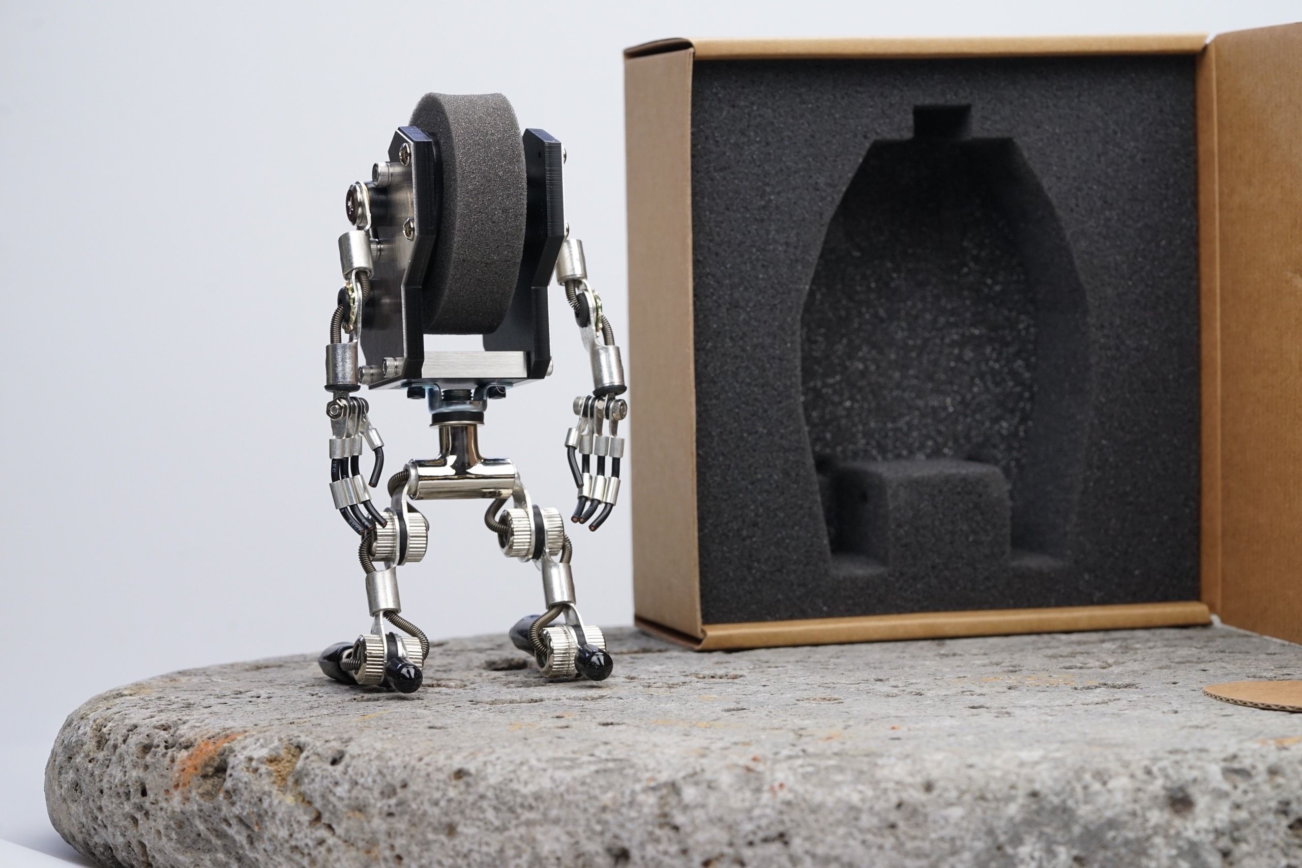 Robotoy By M.A.D.GALLERY