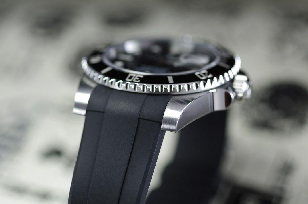 Rolex Submariner Ceramic 40mm - Glidelock Edition - M104 Black
