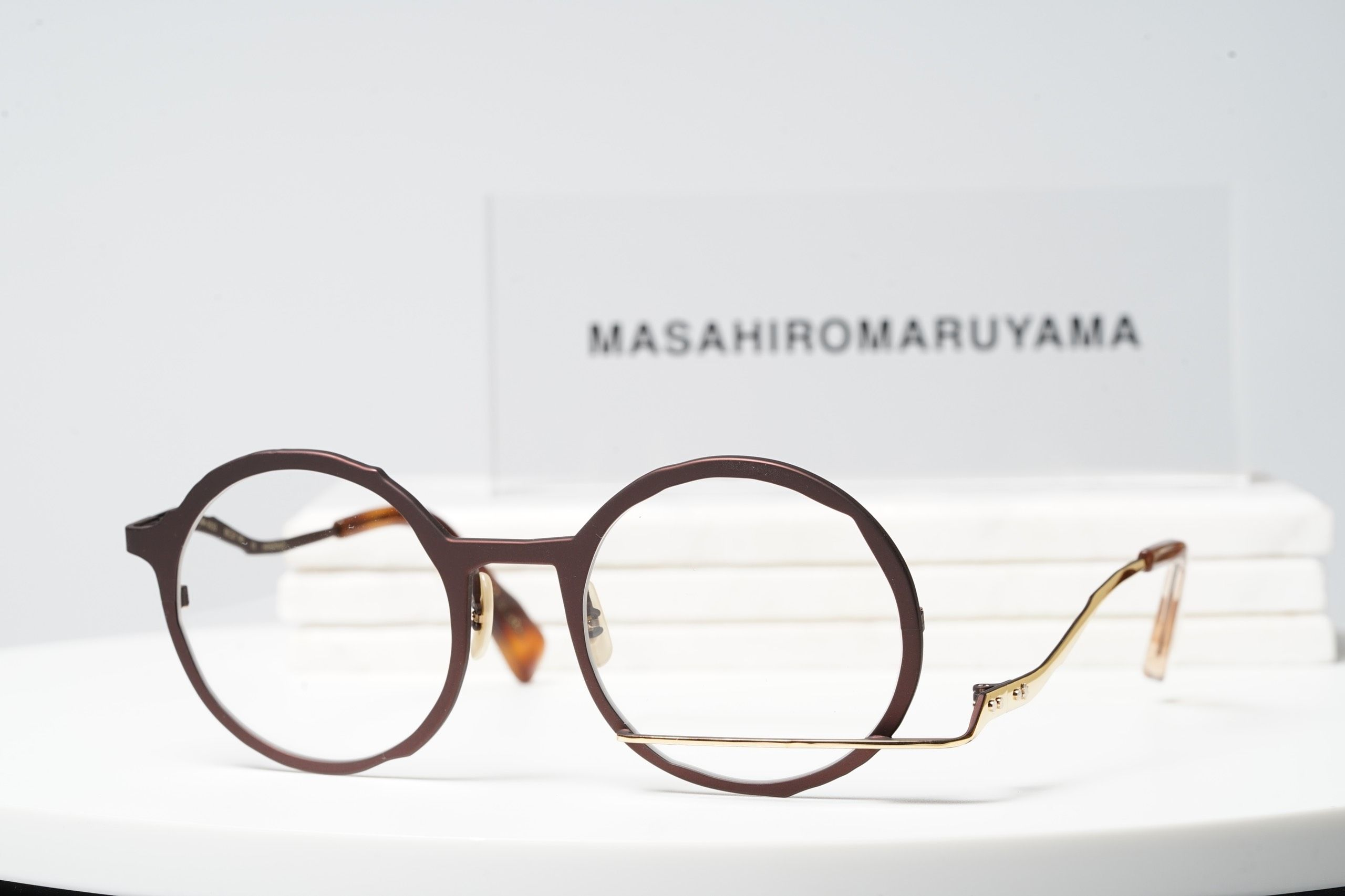 MM-0033 - No.4 Brown - Gold