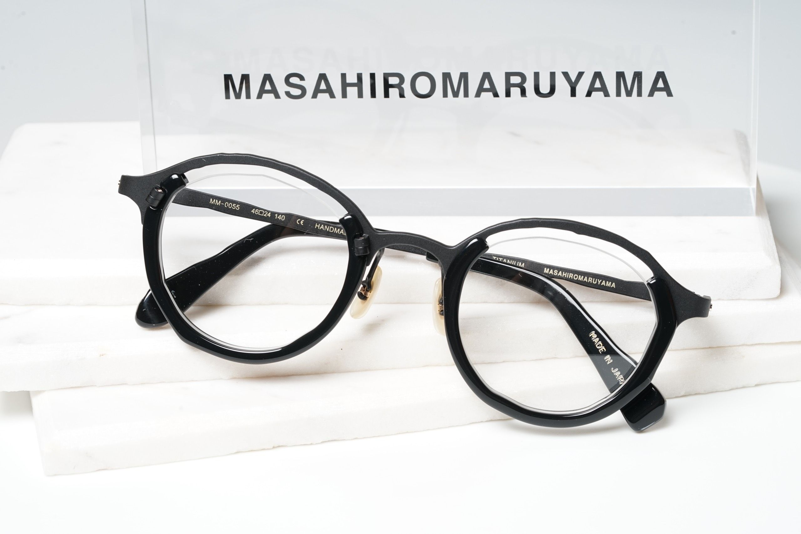 MM-0055 - No.1 Black  Black